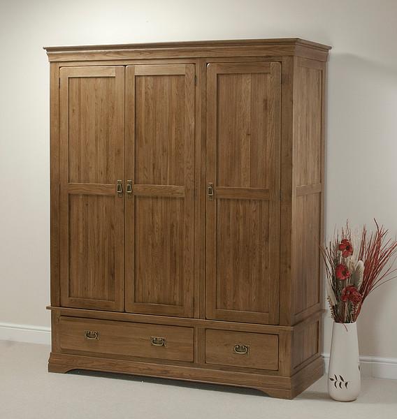 French farmhouse rustic solid oak triple wardrobe for Farmhouse rustic oak