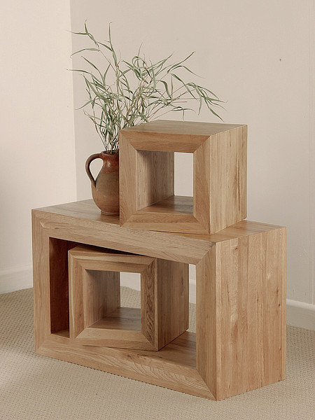 Nero Solid Oak Set of 3 Cube Tables