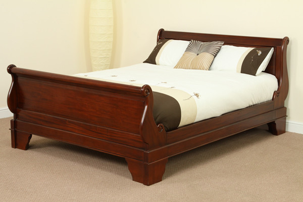 "Sleigh Solid Mahogany 4ft 6"" Double Bed with High Footboard"