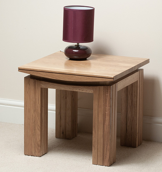 Top Small Oak Side Table 568 x 600 · 71 kB · jpeg