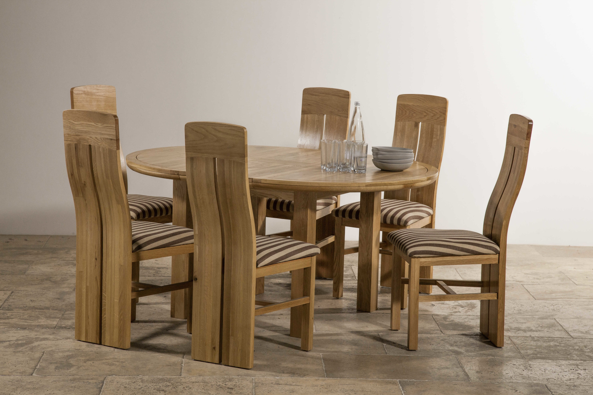 Knightsbridge 5ft 3 natural solid oak round extending for 6 foot round dining table