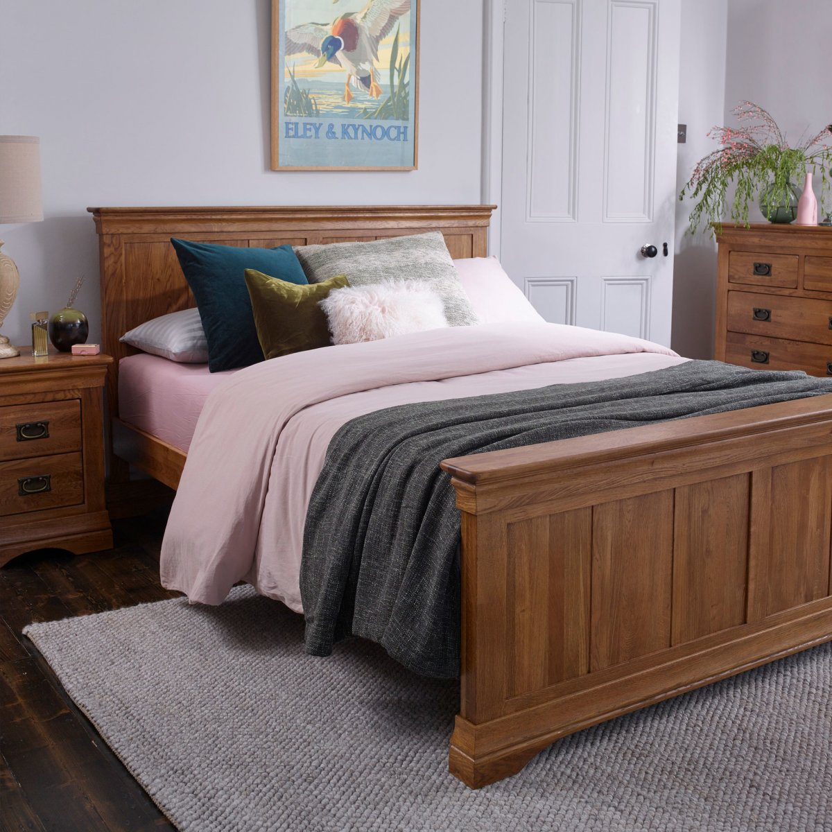 french farmhouse king size bed rustic solid oak. Black Bedroom Furniture Sets. Home Design Ideas