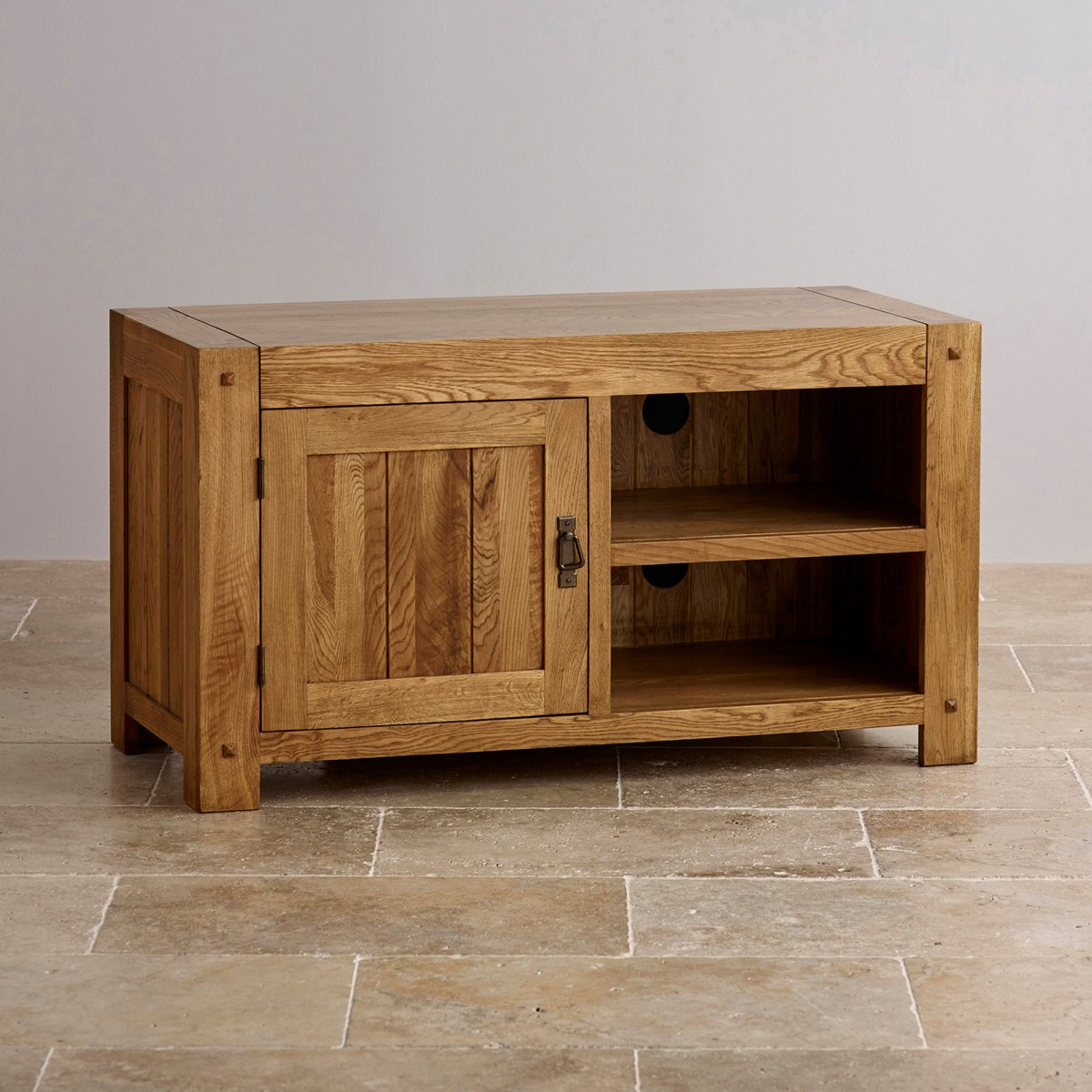 quercus tv cabinet in rustic solid oak oak furniture land. Black Bedroom Furniture Sets. Home Design Ideas