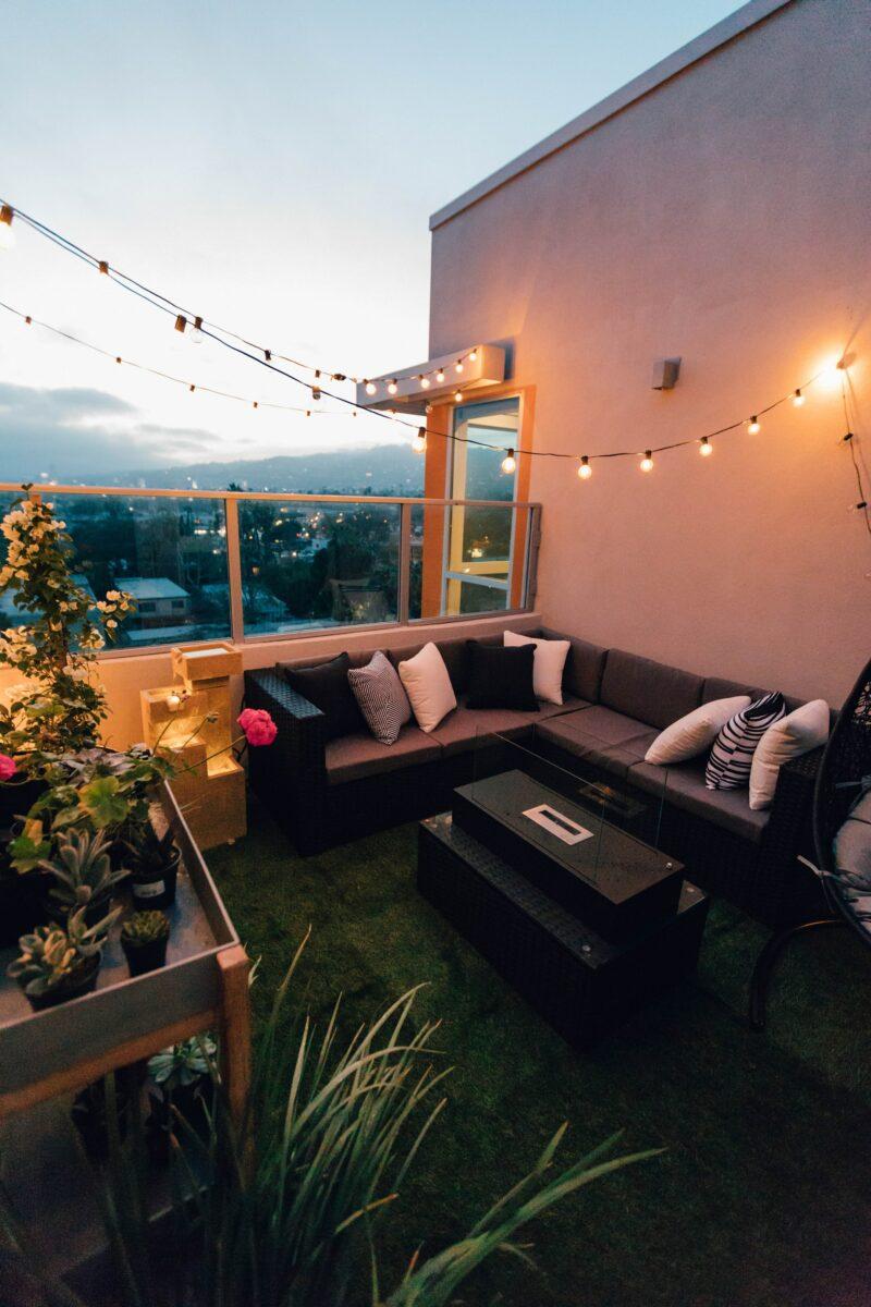 /garden outdoor seating area