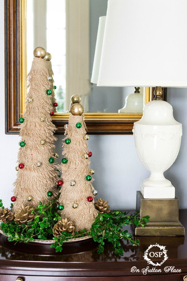 burlap christmas tree decor