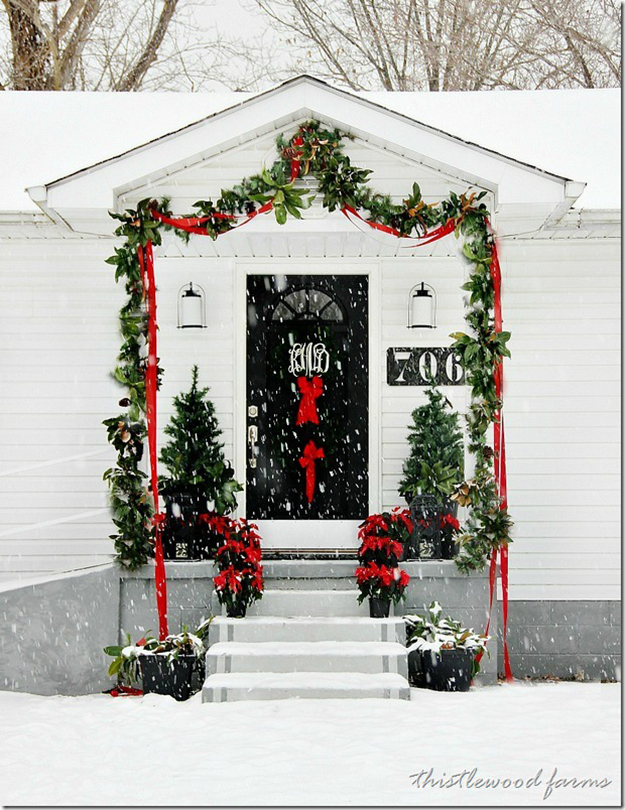 gatehouse-Christmas-in-the-snow_thumb