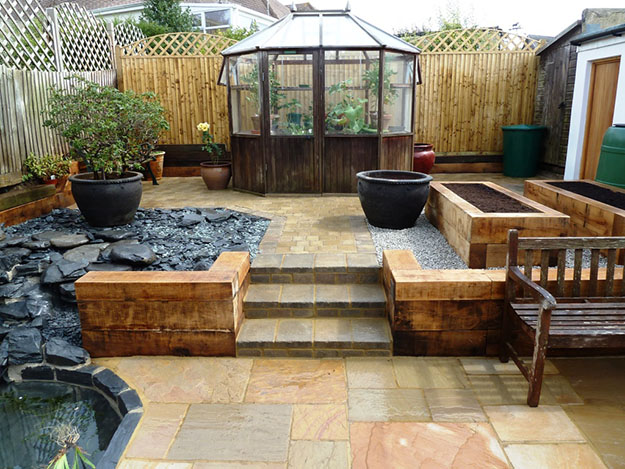 Low maintenance garden tips for reluctant gardeners by for Low maintenance outdoor furniture