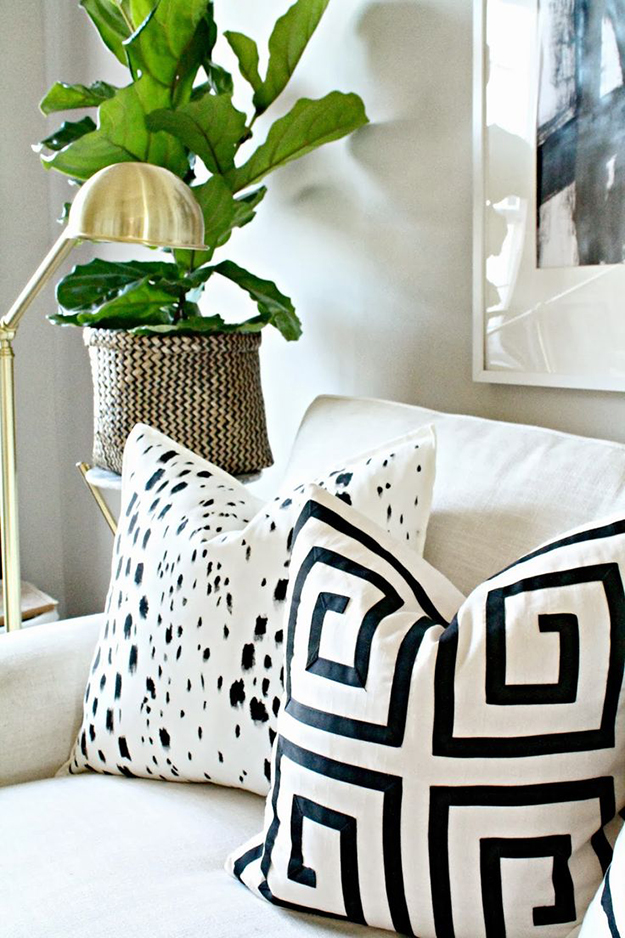 burlap and lace diy cushions