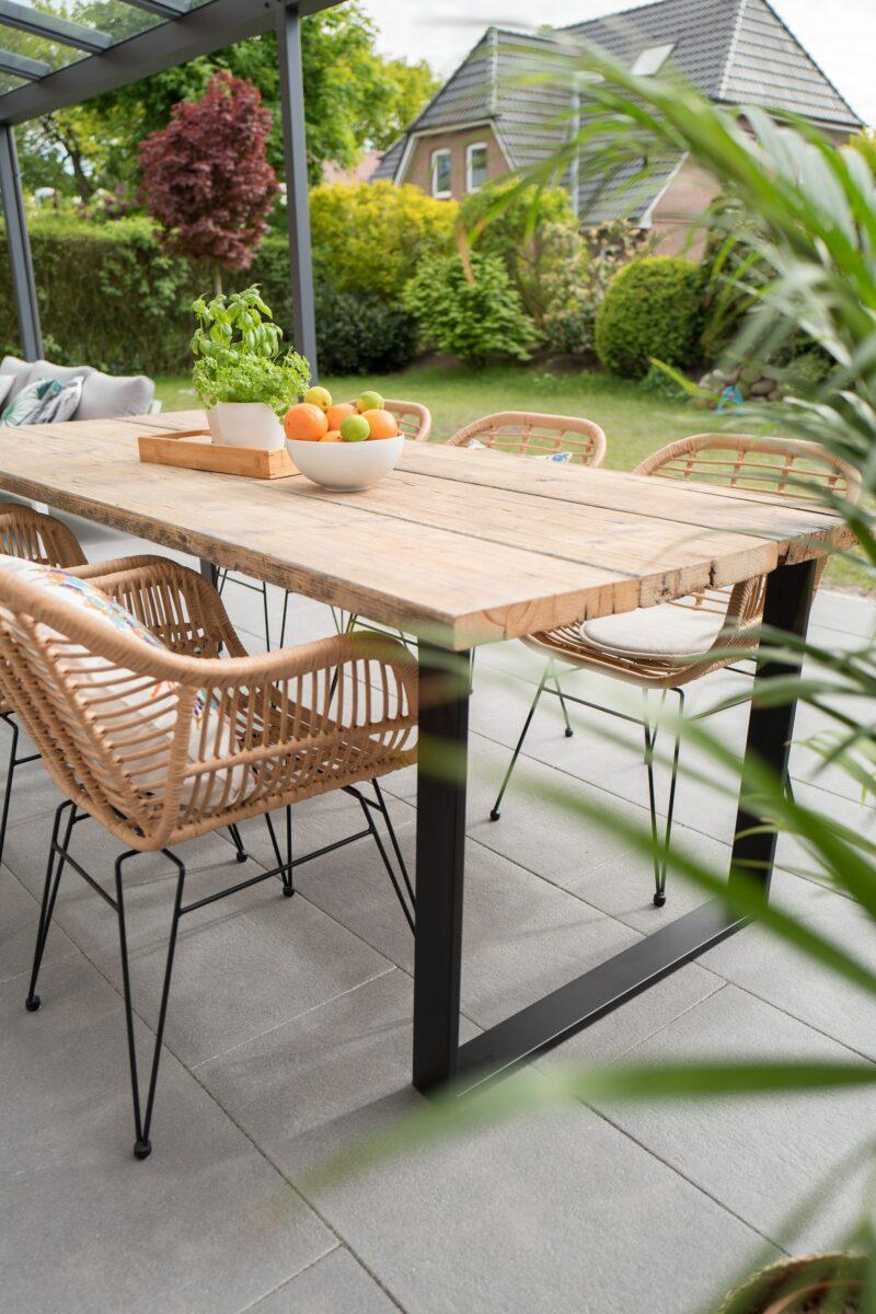 outdoor patio garden