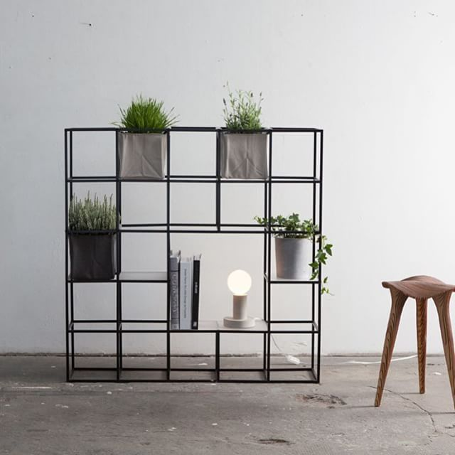 shelf divider in a minimalistic room