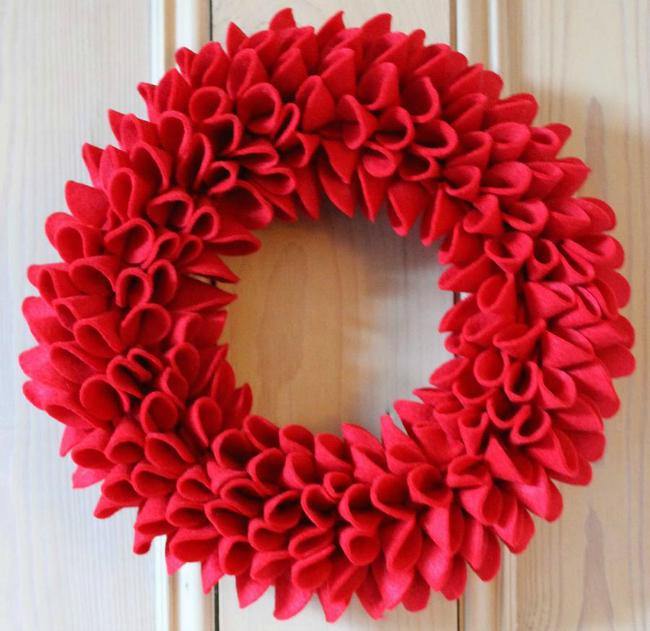 original_christmas-felt-wreath