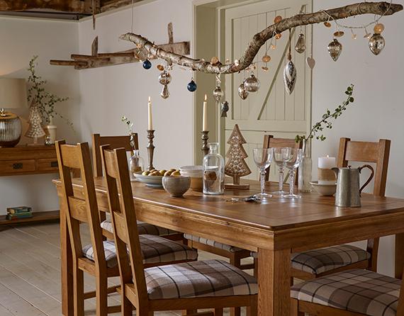 Contemporary Rustic Christmas Decor Dining Room