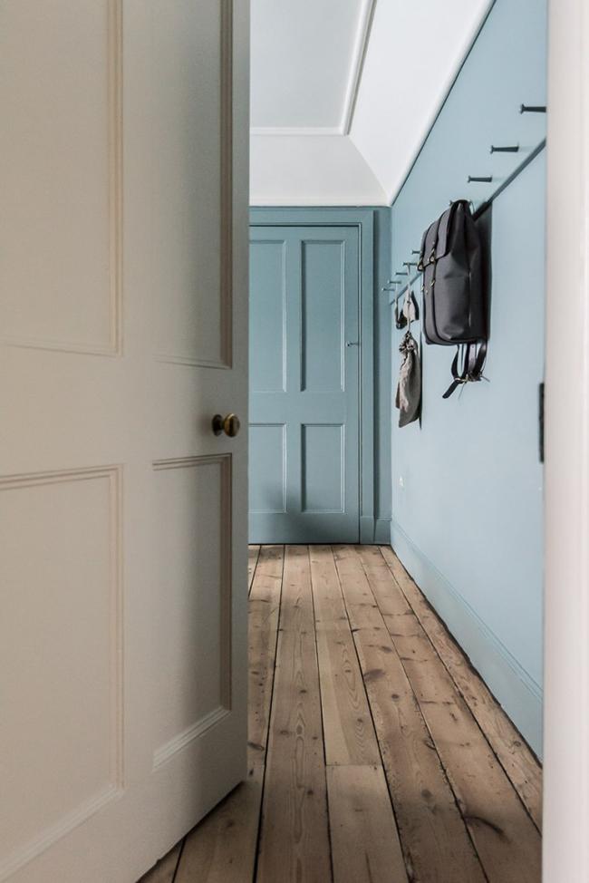 8 ways to use dulux 39 s denim drift oak furniture land. Black Bedroom Furniture Sets. Home Design Ideas