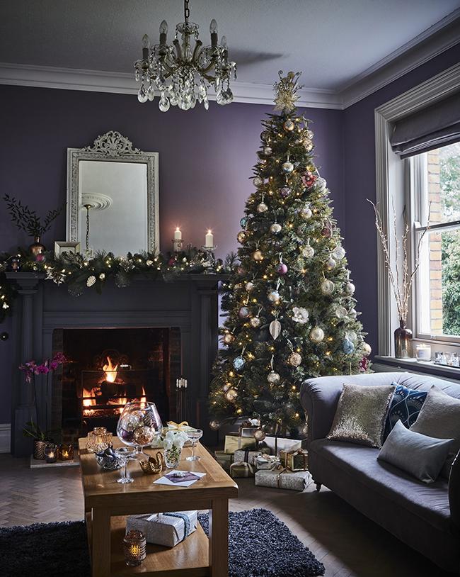 Deco Style Christmas Tree