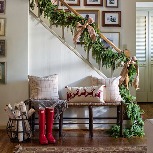 7 ways to decorate your staircase for christmas