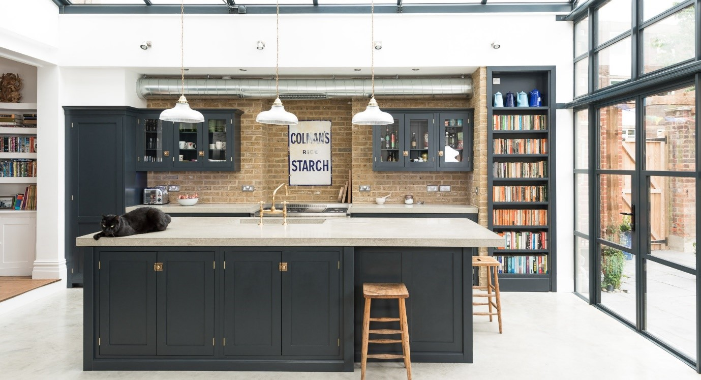Top 3 kitchen trends for 2017 the oak furniture land blog for Industrial style kitchen uk