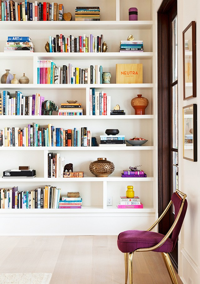 stylish built in bookshelves