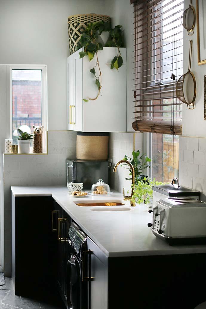 black and white gold kitchen