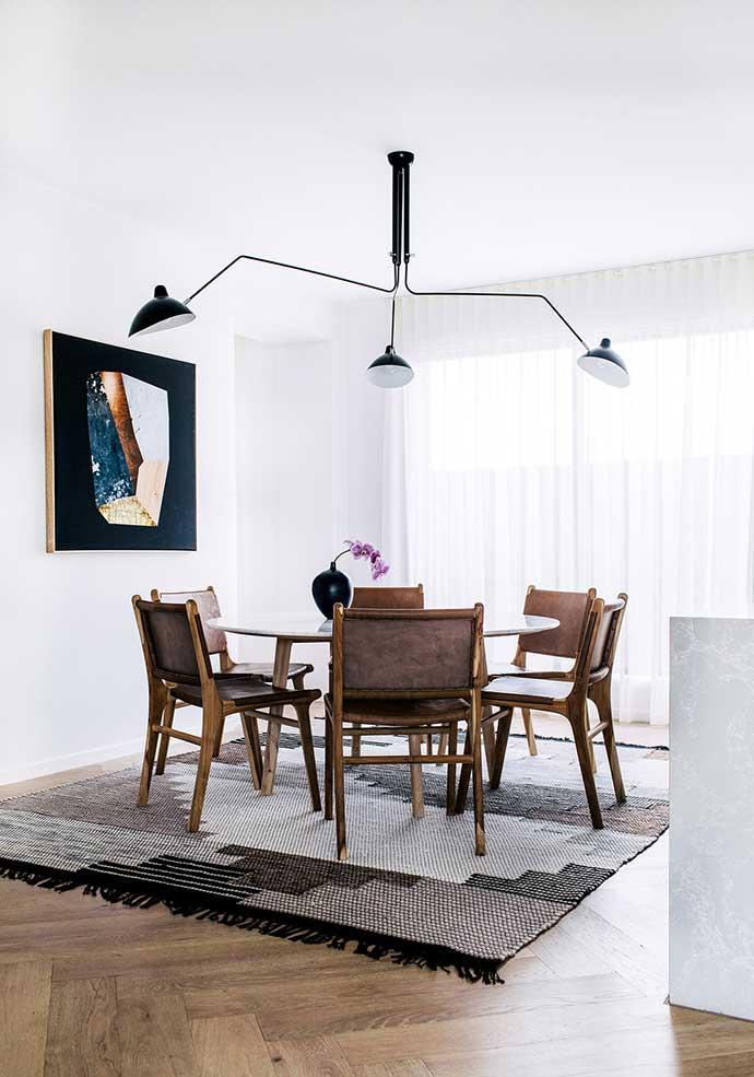 overhead light fixture in dining room