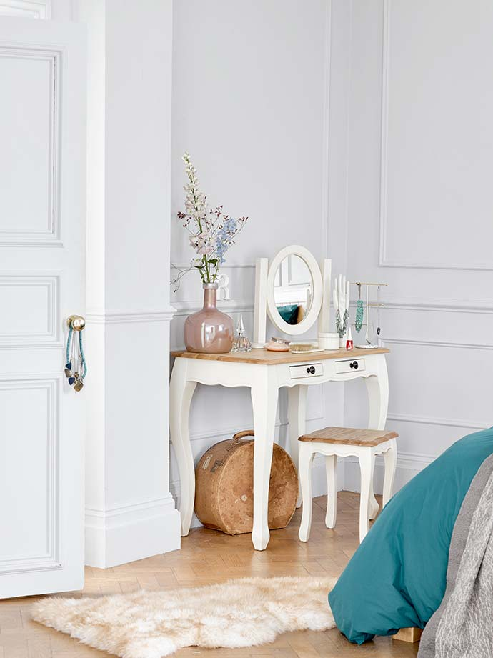 How To Create The Perfect Dressing Table In Your Bedroom