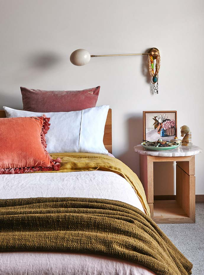 autumn colours in bedroom