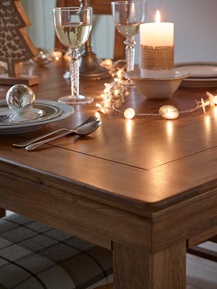 rustic style christmas decor for dining table