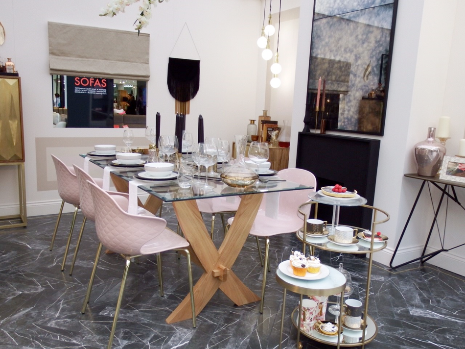 Luxe dining roomset at Ideal Home Show 2018