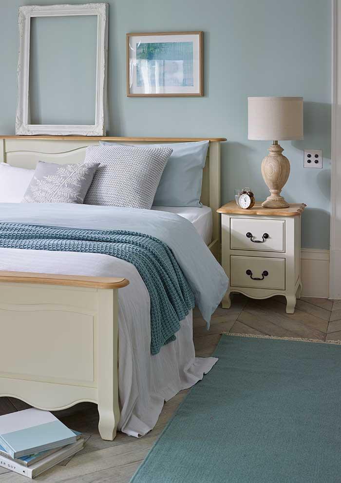 bella bedroom collection inb lue colour scheme