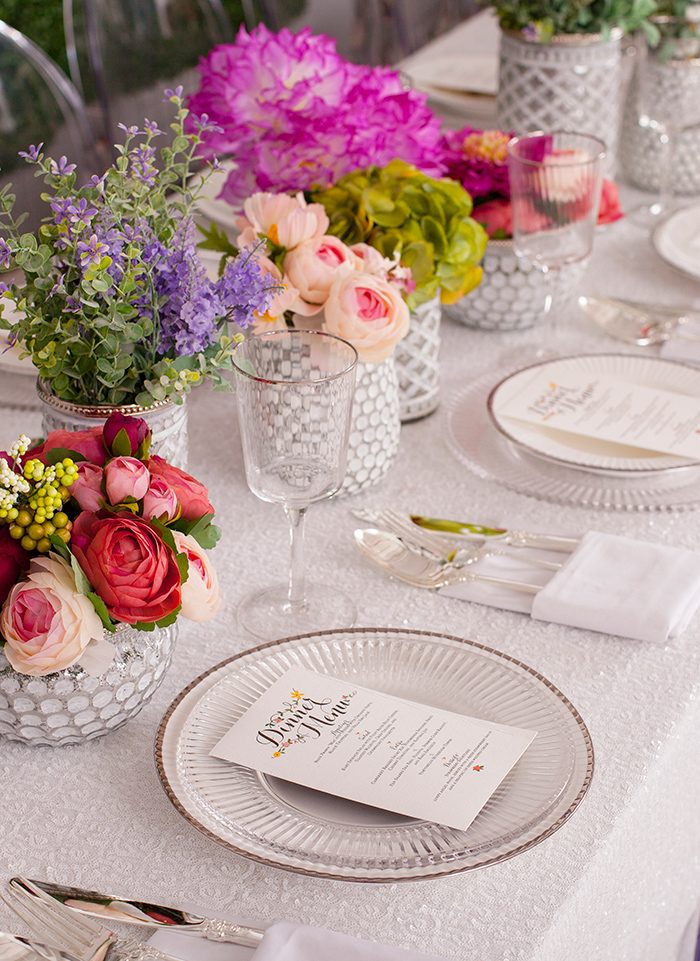 Floral dining table layout
