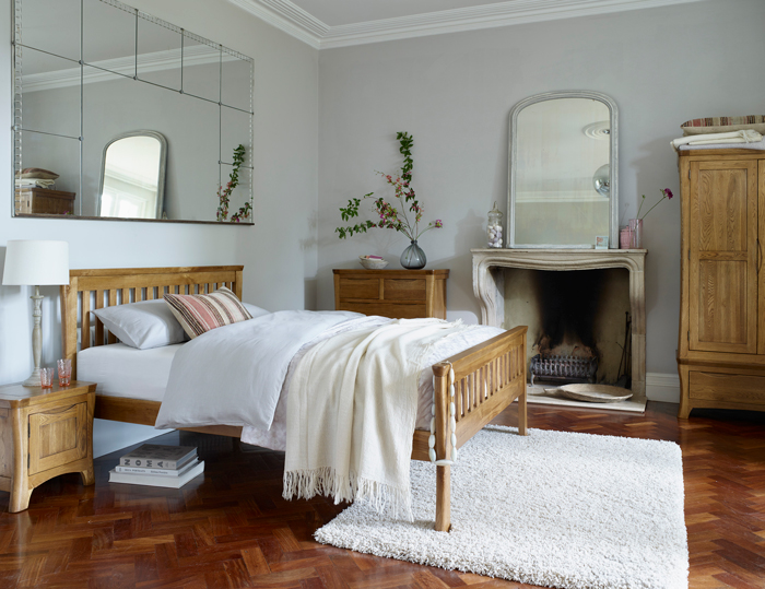 Orrick Bed, Mirrors, fireplace