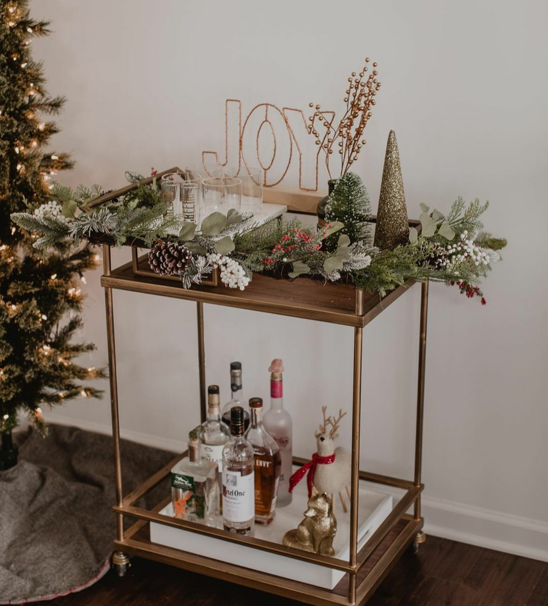Ideas for a Festive Christmas Bar Cart