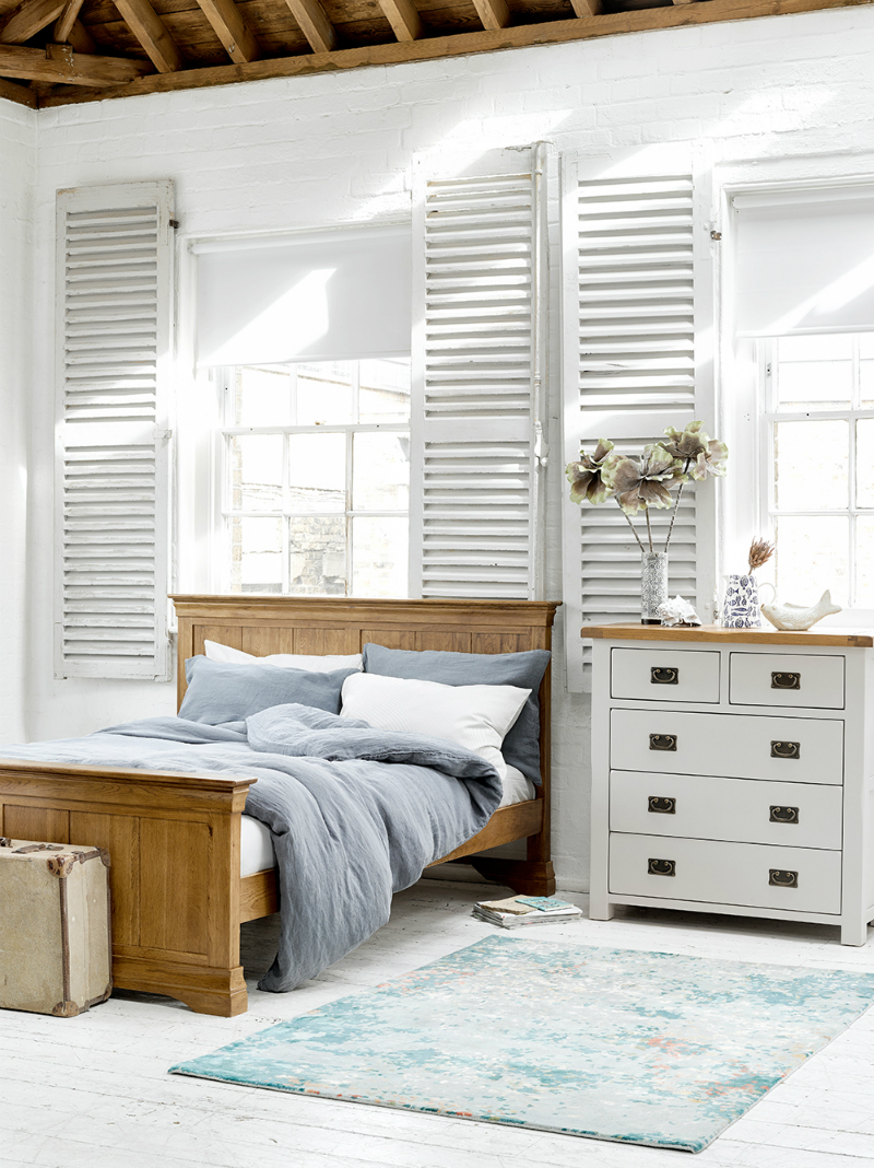How to Mix and Match Wood Furniture in Bedroom | Oak Furniture Land