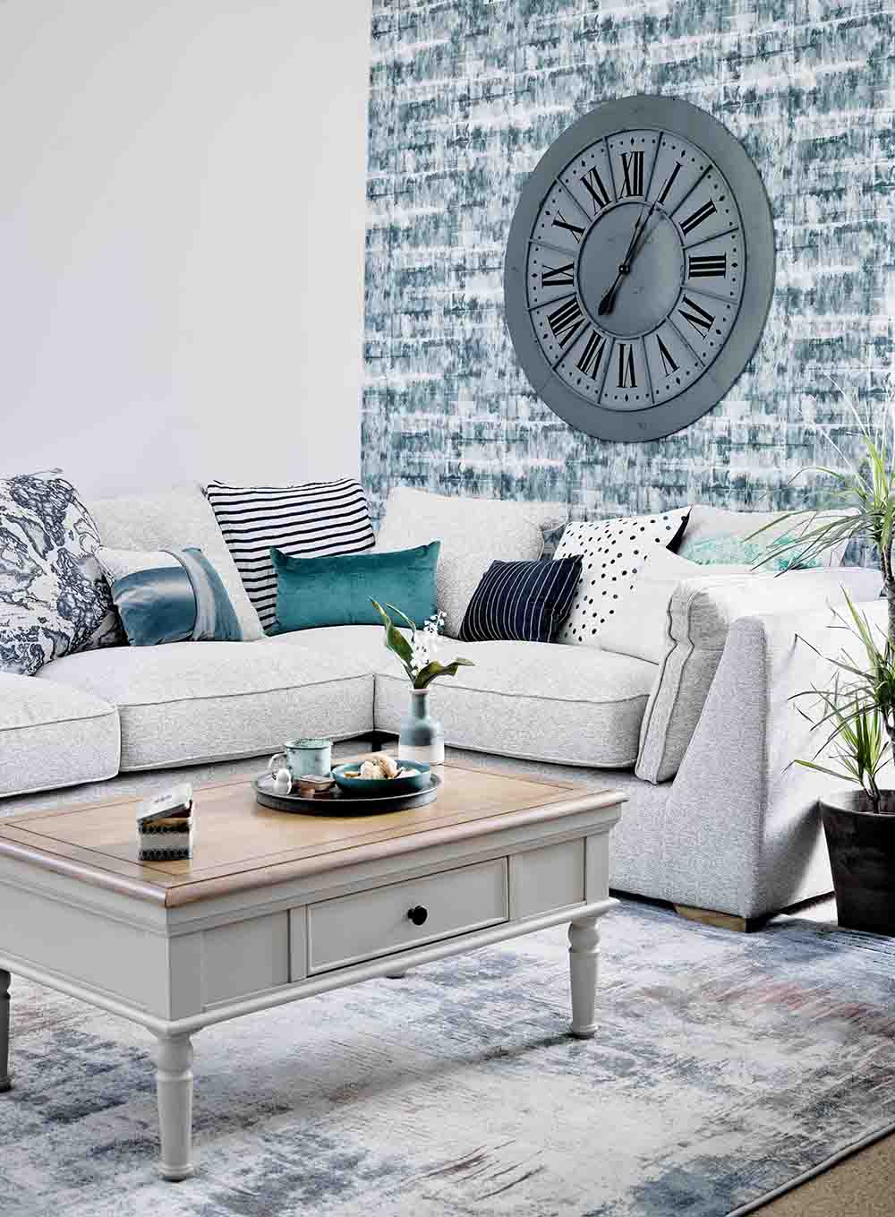 living room with blue and white coastal colour scheme