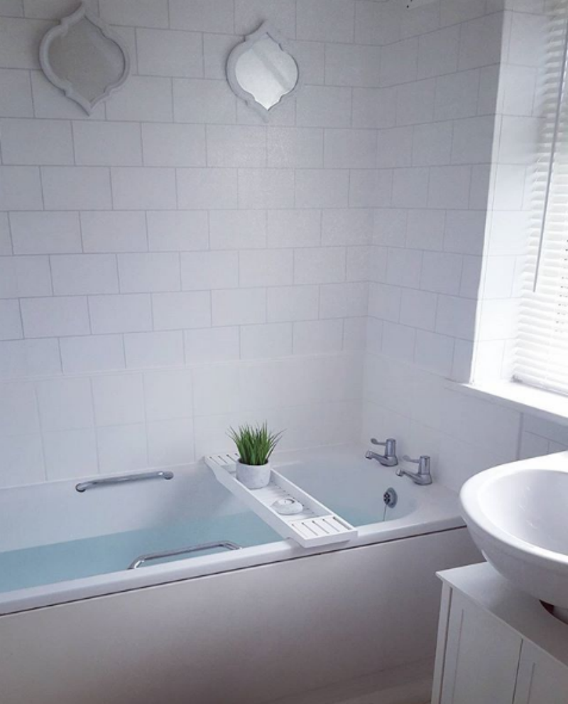 A serene scene in Sarah's squeaky clean bathroom