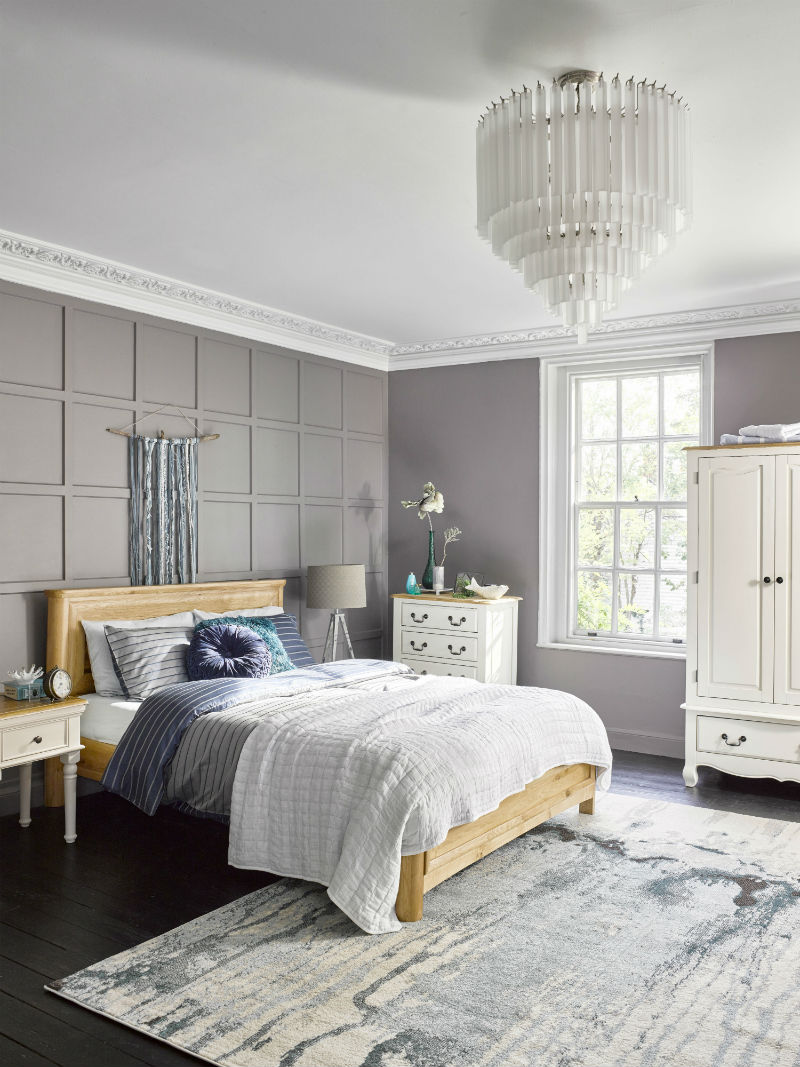 grey traditional bedroom decor