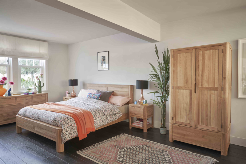 Rounded oak bedroom furniture