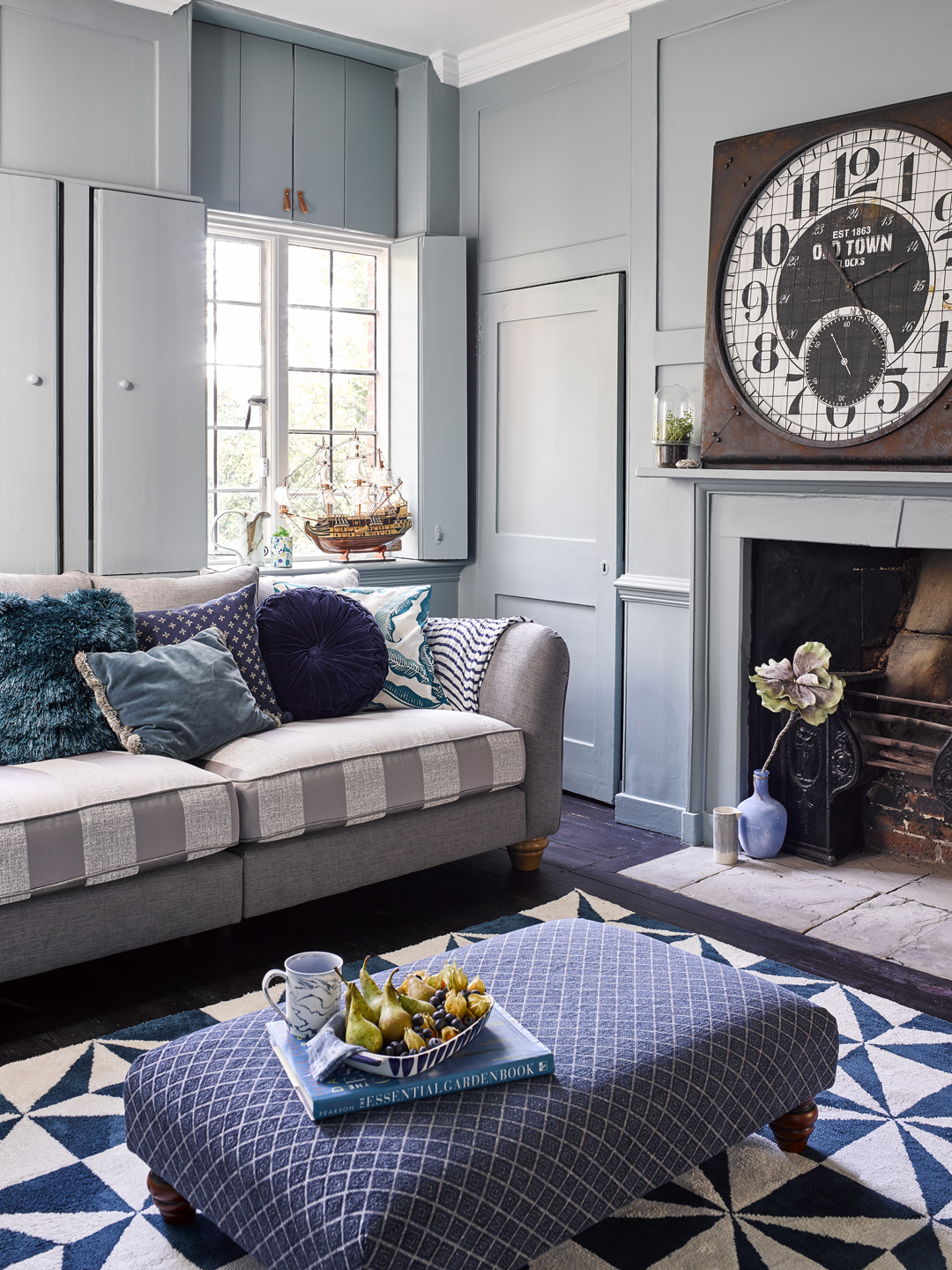 Under the Sea Style Living Room