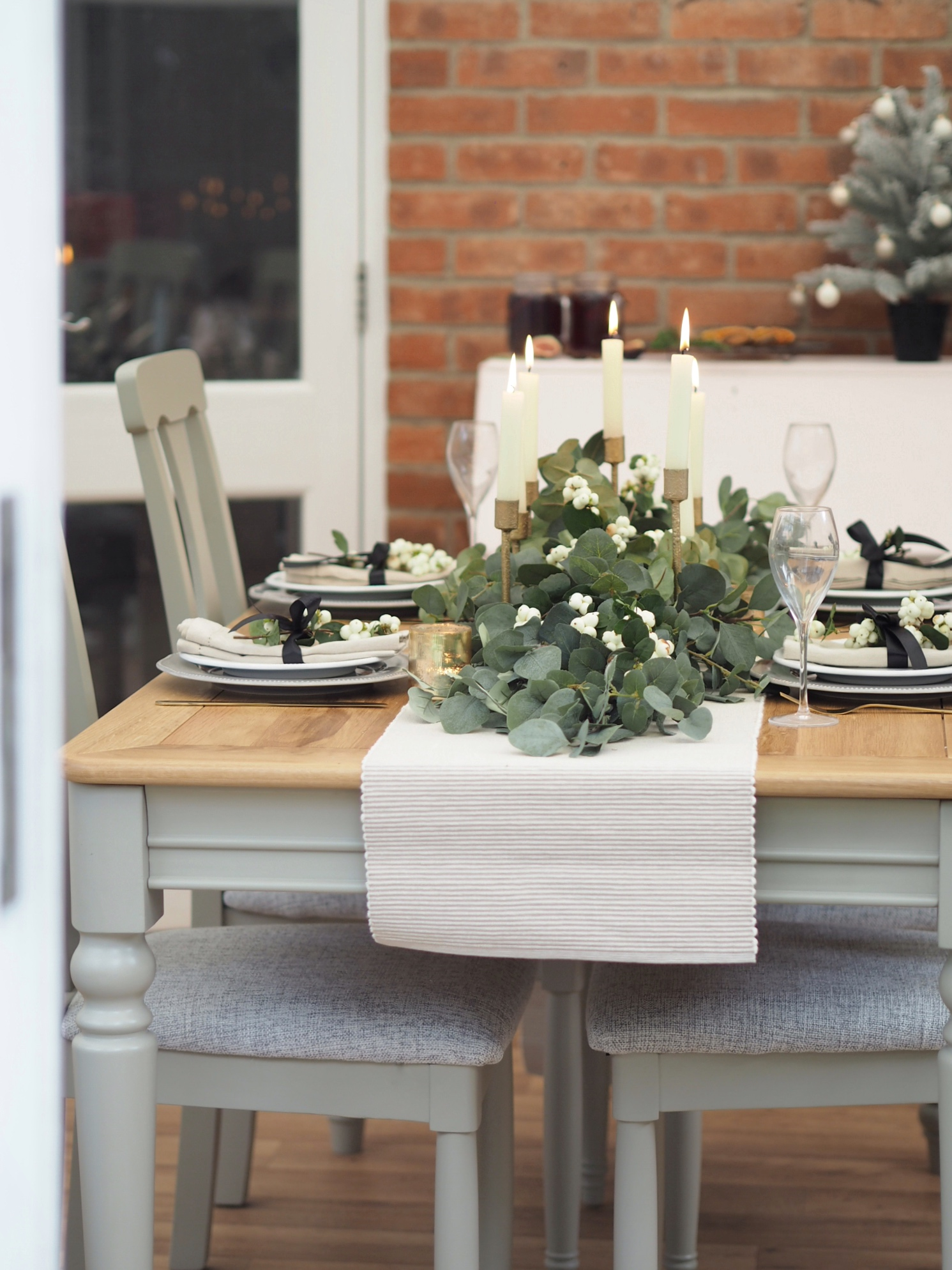 Christmas dining table with eucalyptus runner