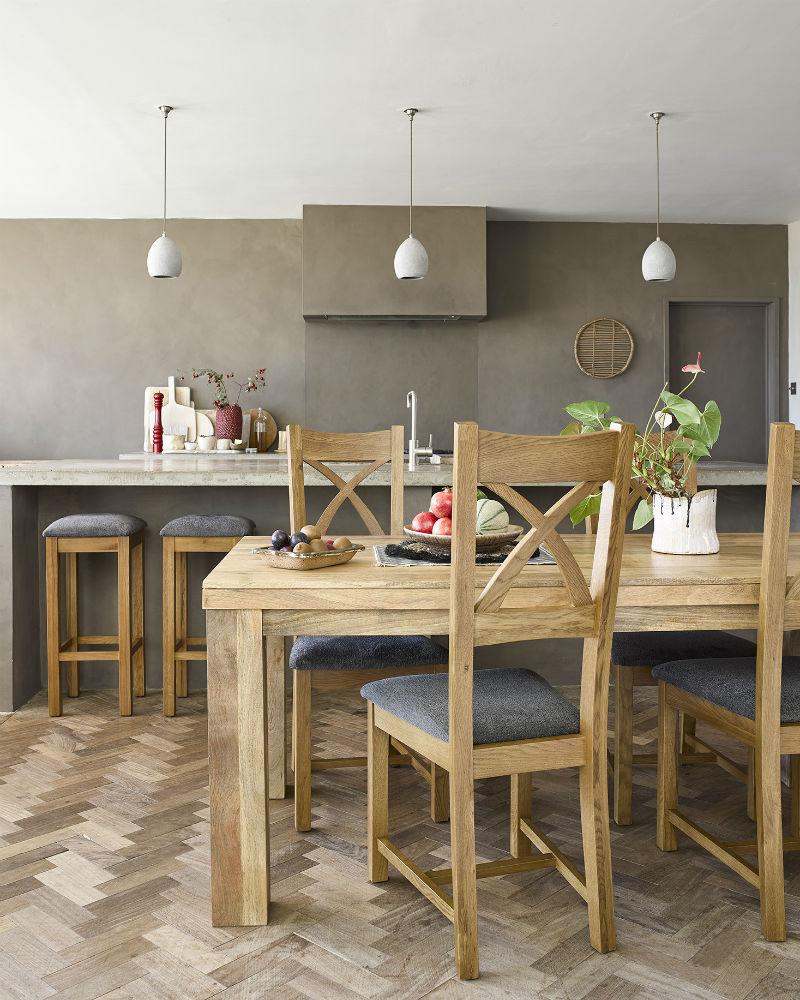 rustic autumnul dining room