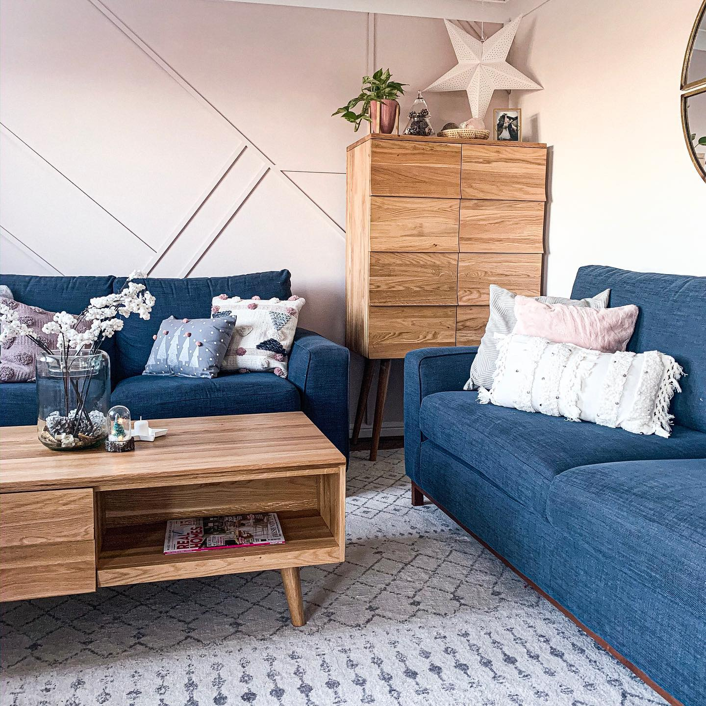 cascade living room furniture with nordic christmas decorations
