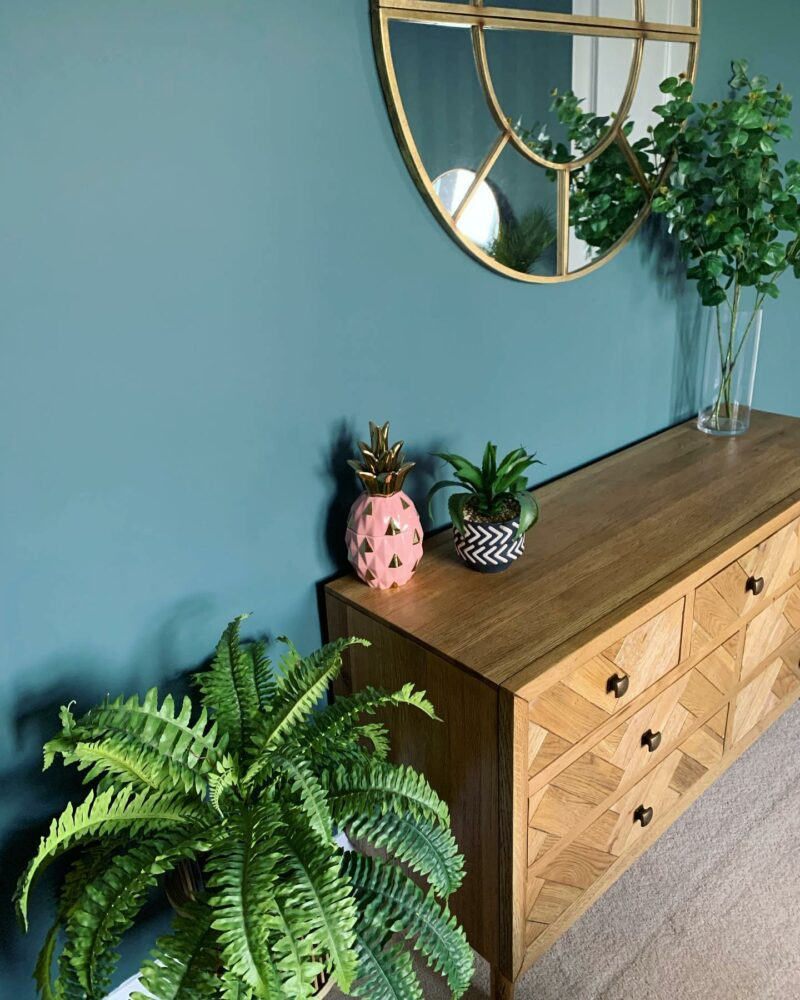 UGC Parquet chest of drawers