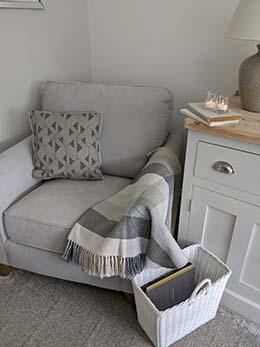 Jasmine Chair 4