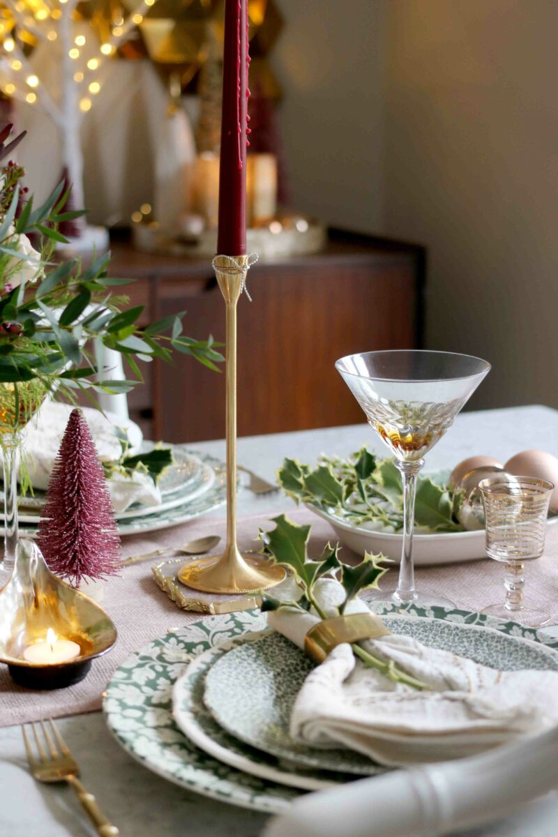 Christmas Table Finishing Touches