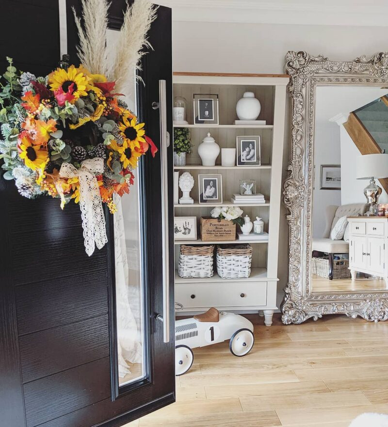 Flower wreath decor