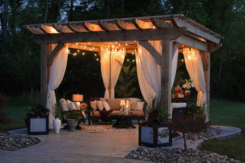 outdoor garden dining patio area