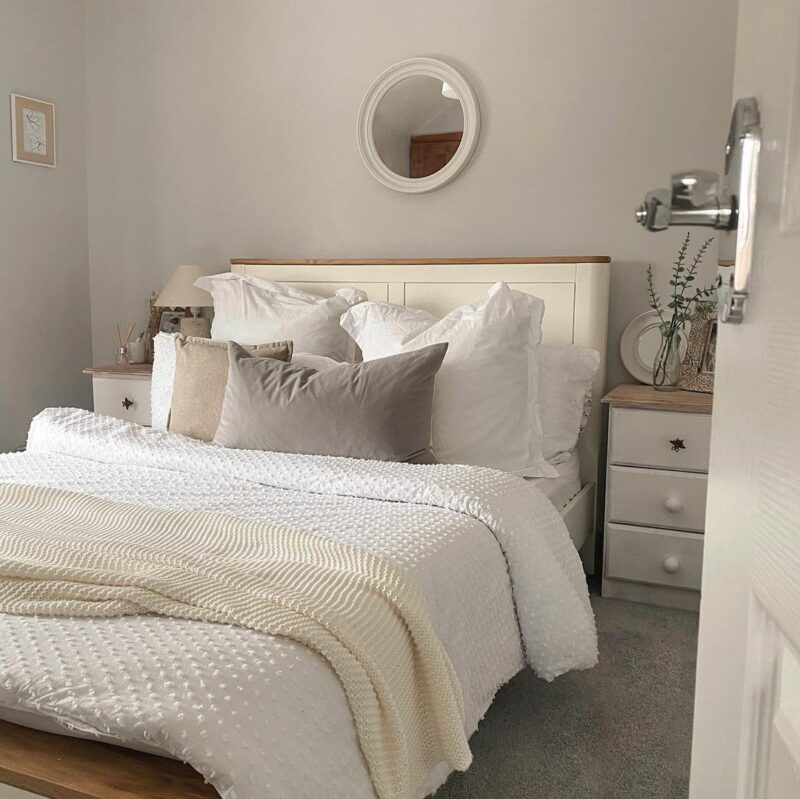 Hove white painted oak bed