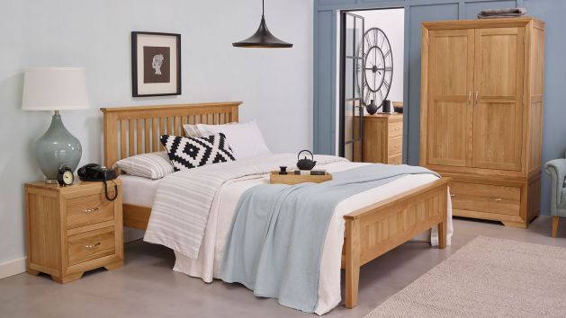 Bedroom Furniture Solid Oak Bedroom Sets Uk Oak