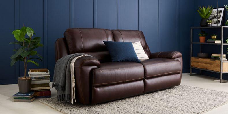 Terrific Finley Reclining Leather Sofas Oak Furnitureland Inzonedesignstudio Interior Chair Design Inzonedesignstudiocom
