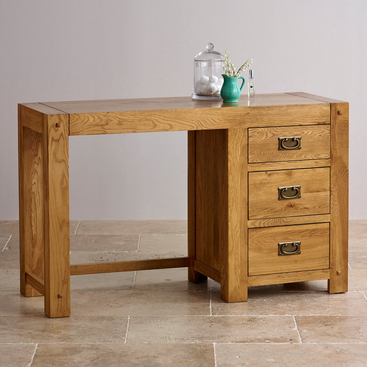 Quercus dressing table in rustic solid oak furniture