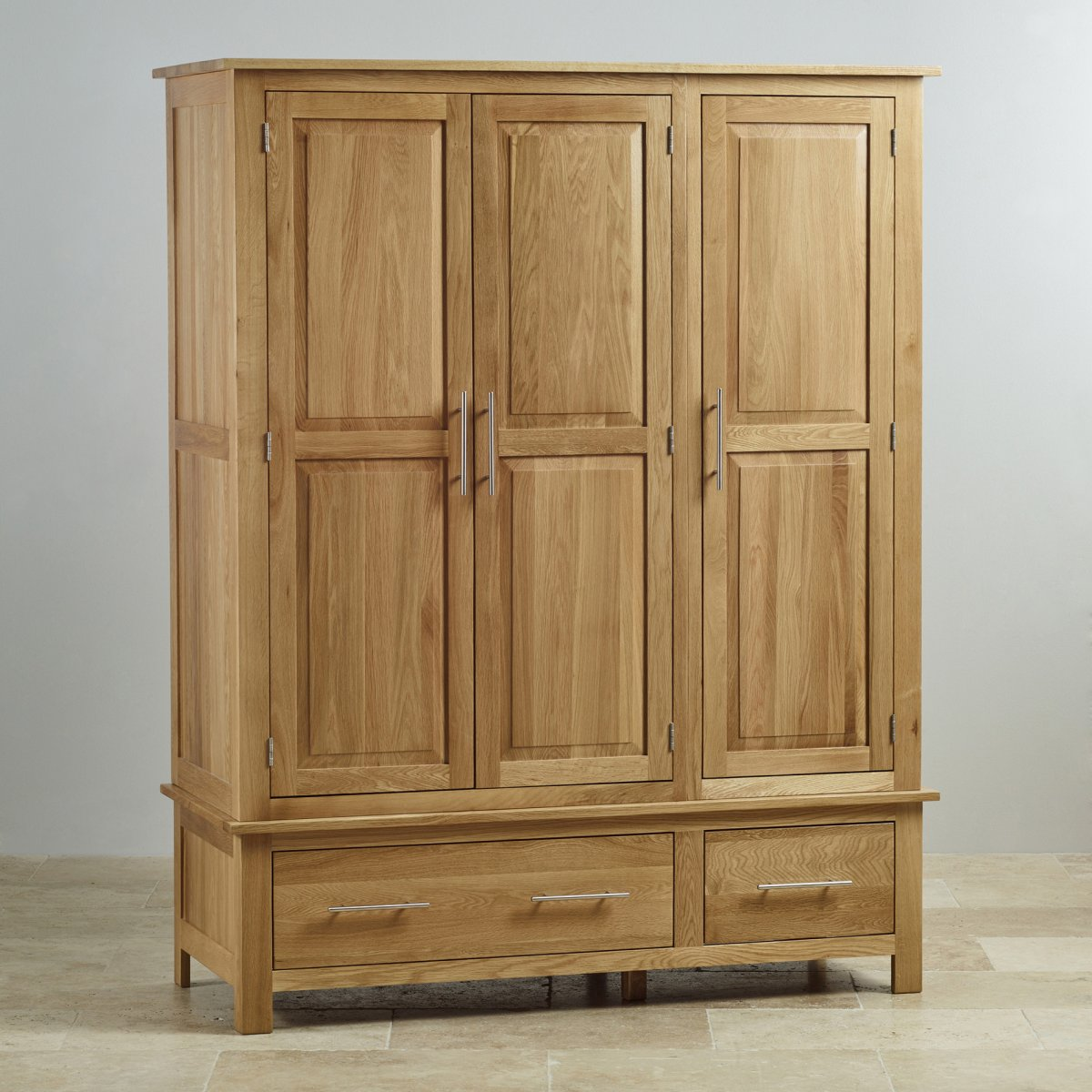 rivermead triple wardrobe in solid oak oak furniture land. Black Bedroom Furniture Sets. Home Design Ideas